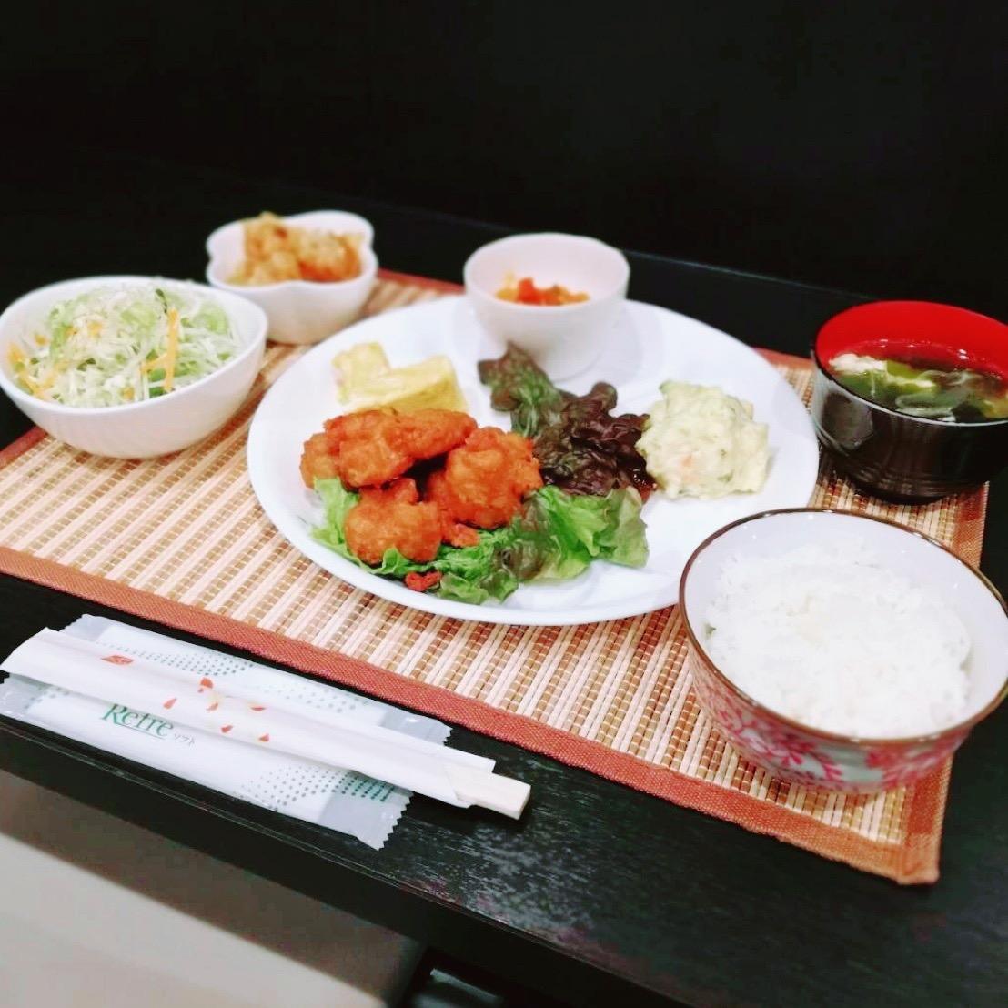 昨日ご宿泊のお客様の夕食です。。